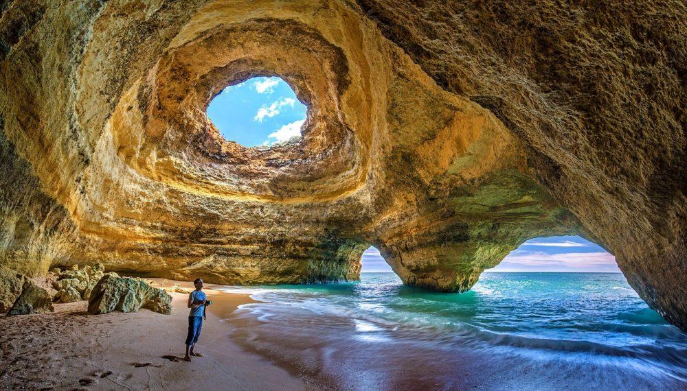 【画像】死ぬまでに一度は行きたい世界の穴!洞窟・鍾乳洞・クレーター10選