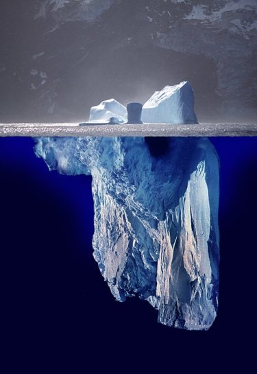 【氷山空母ハボクック】氷を切り出して戦艦に…湖に沈んだ幻の超兵器とは!